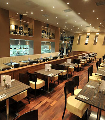Best restaurants near Palace Theatre Manchester ~ Zouk Manchester